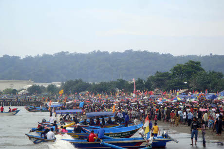 10 Tempat Wisata Cilacap Jawa Tengah Tempatwisataunik Sedekah Laut Khas