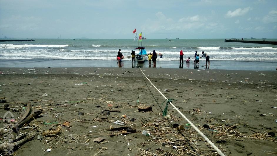 Duh Kotornya Pantai Teluk Penyu Cilacap Jawa Tengah Sampah Pasangmata