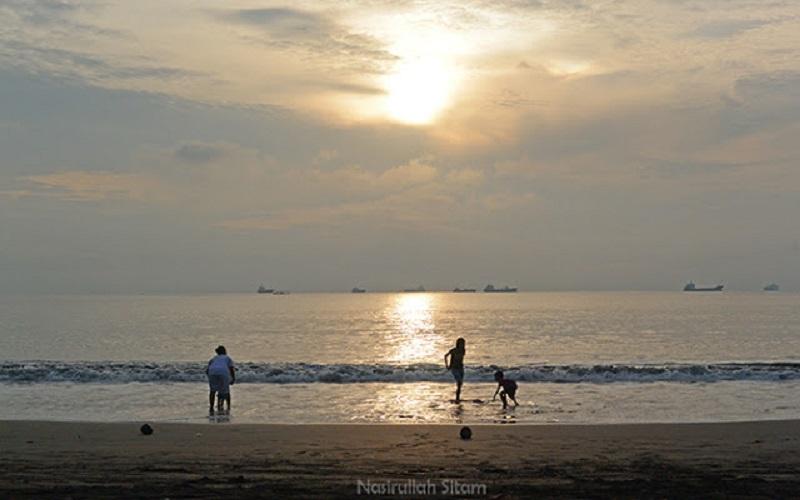 Objek Wisata Andalan Cilacap Pantai Teluk Penyu Dinas Kebudayaan Kab