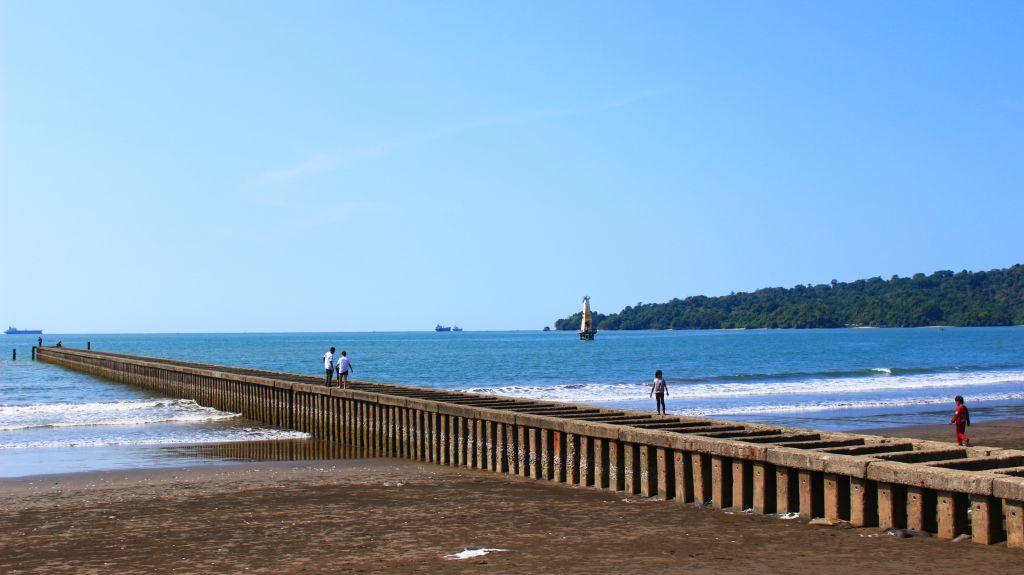Pantai Teluk Penyu Indahnya Alunan Ombak Cilacap Jawa Tengah Kab