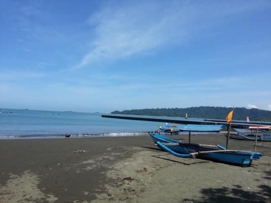 Teluk Penyu Picture Beach Cilacap Tripadvisor Kab