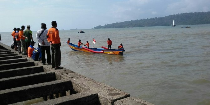 Terseret Ombak Mahasiswa Ut Bandung Hilang Pantai Teluk Penyu Cilacap