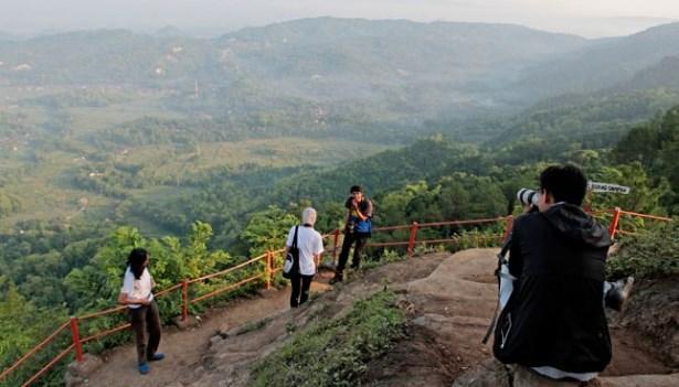 35 Tempat Wisata Cilacap Jawa Tengah Hits Seru Gunung Selok