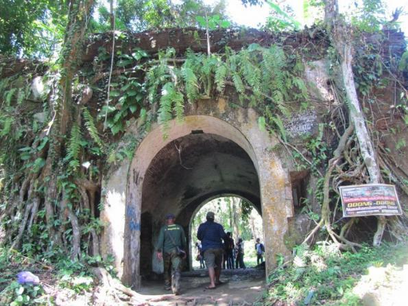 Tempat Wisata Cilacap Wajib Dikunjungi Fjj Benteng Karang Bolong Sebagai
