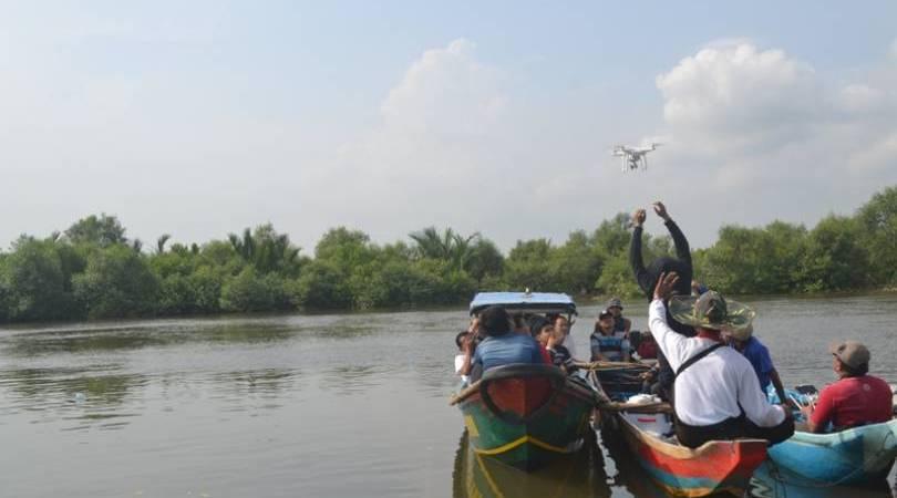 Desa Gunakan Drone Pemetaan Wisata Hutan Mangrove Kbr Payau Kab