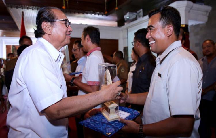 Situs Resmi Pemerintah Kabupaten Gianyar Www Gianyarkab Id Bali Bird