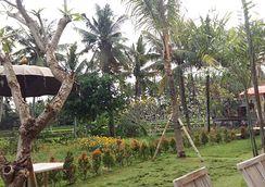 Pondok Tulasi Gianyar Booking Bali Safari Marine Park Kab