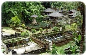 Candi Gunung Kawi Gianyar Bali Gemericik Air Sungai Seolah Menyambut