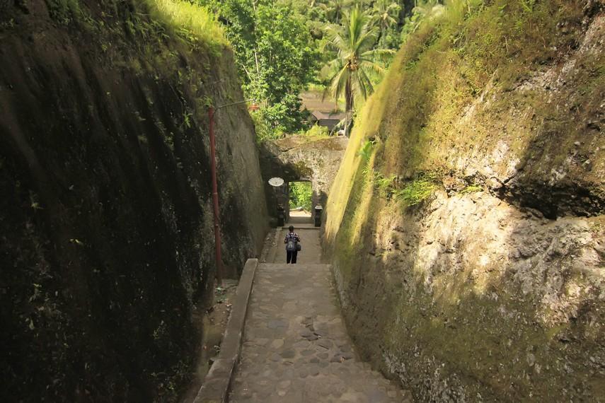Candi Tebing Gunung Kawi Persemayaman Abadi Raja Dinasti Gianyar Jalan