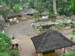 Goa Gajah Bali 1001wisata Depan Terdapat Patung Pancuran Alam Sebuah