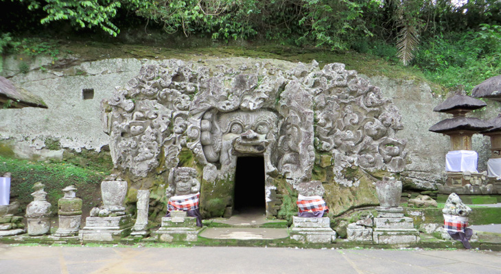 Goa Gajah Tempat Pertapaan Kegiatan Agama Budha Siwa Kab Gianyar