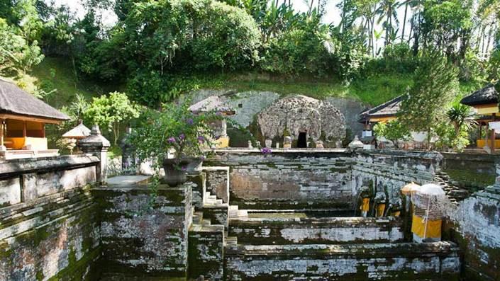 Pura Goa Gajah Badahulu Gianyar Bali 05 Kab