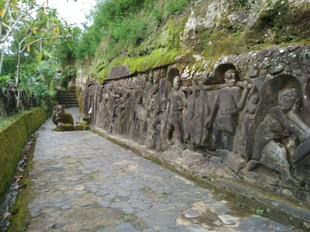 Relief Yeh Pulu Bedulu Konon Digunakan Bertapa Oleh Raja Bedahulu