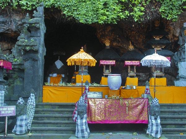 Taksu Bali November 2016 Pura Goa Lawah Gajah Kab Gianyar