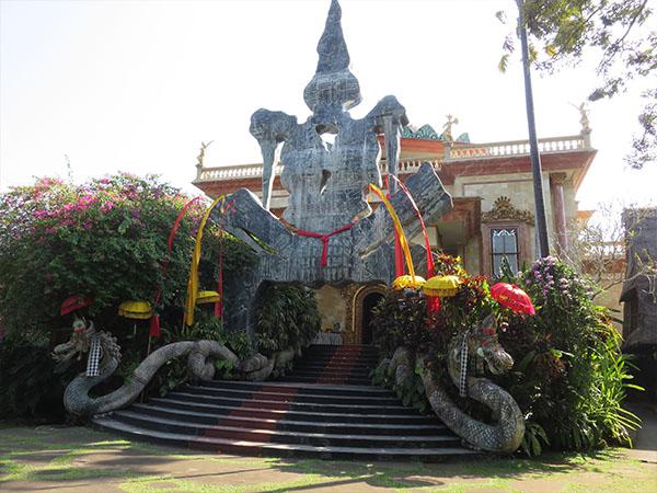 Inilah Museum Kabupaten Gianyar Bali Puri Lukisan Kab