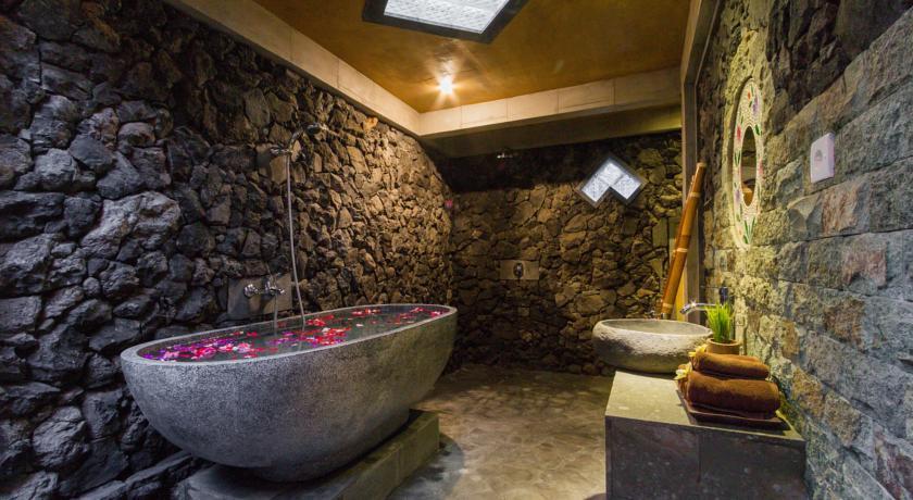 Jero Sebali Villa Ubud Bali Indonesia Visitmode Museum Puri Lukisan