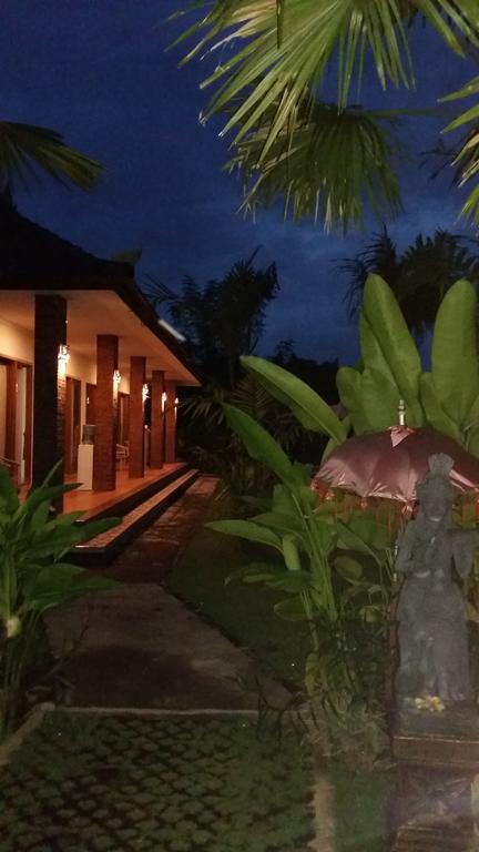 Pondok Tulasi Bed Breakfast Gianyar Quadruple 350 Museum Puri Lukisan