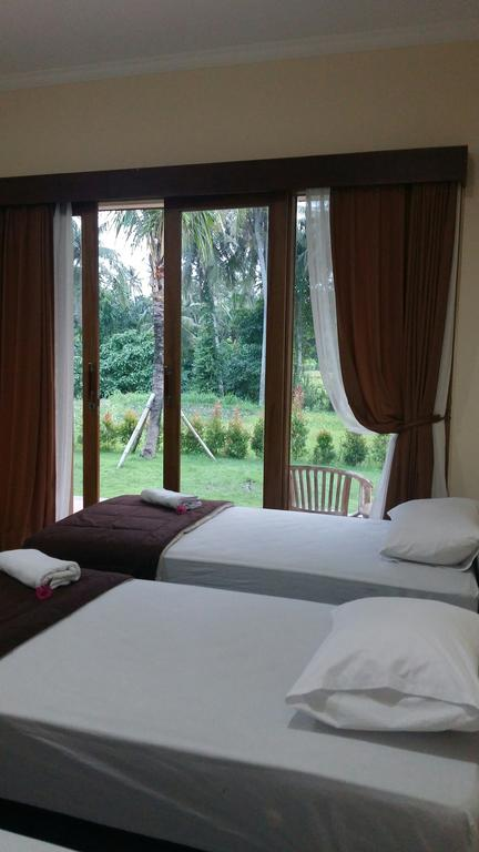 Pondok Tulasi Bed Breakfast Gianyar Triple Room 350 Museum Puri