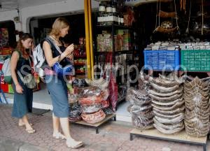 Asing Pasar Seni Sukawati Kabupaten Gianyar Bali Turis Kab