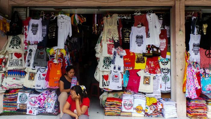 Kaus Barong Jadi Incaran Wisatawan Bali Pasar Seni Guwang Sukawati