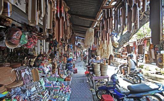 Oleh Wajib Belanja Pasar Sukawati Bali Kab Gianyar