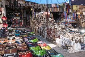 Serunya Tawar Menawar Oleh Khas Bali Pasar Seni Sukawati Barang