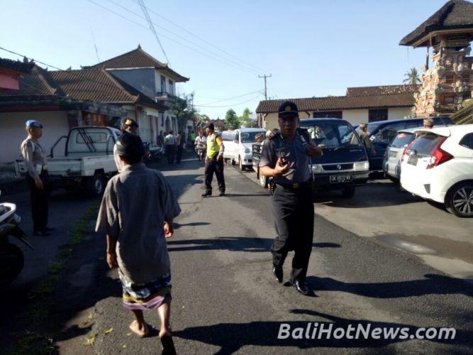 Aksi Solidaritas Ratusan Warga Pakudui Berangkat Pn Gianyar Polda Bali