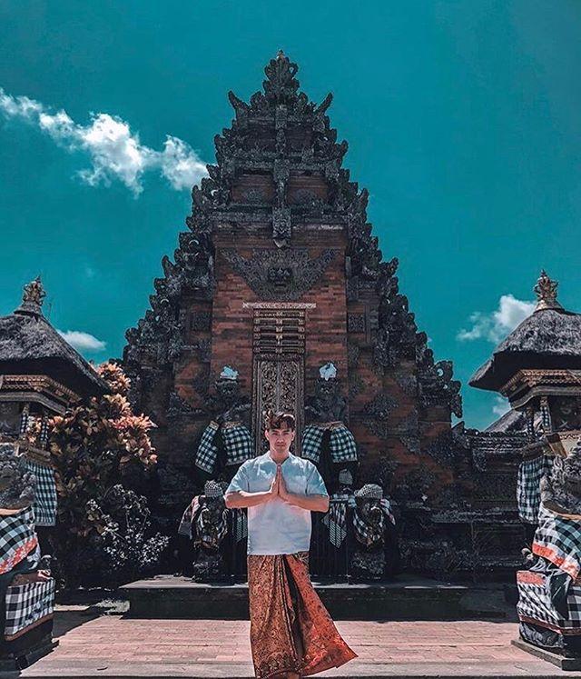 Batuantemple Posts Instagram Socialboor Pura Puseh Batuan Tertua Bali Terletak