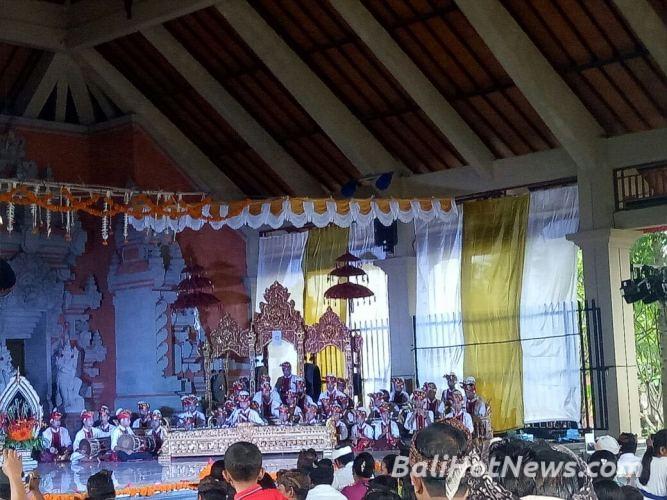 Bhabin Desa Ketewel Polsek Sukawati Bersama Personil Intelkam Atensi Giat