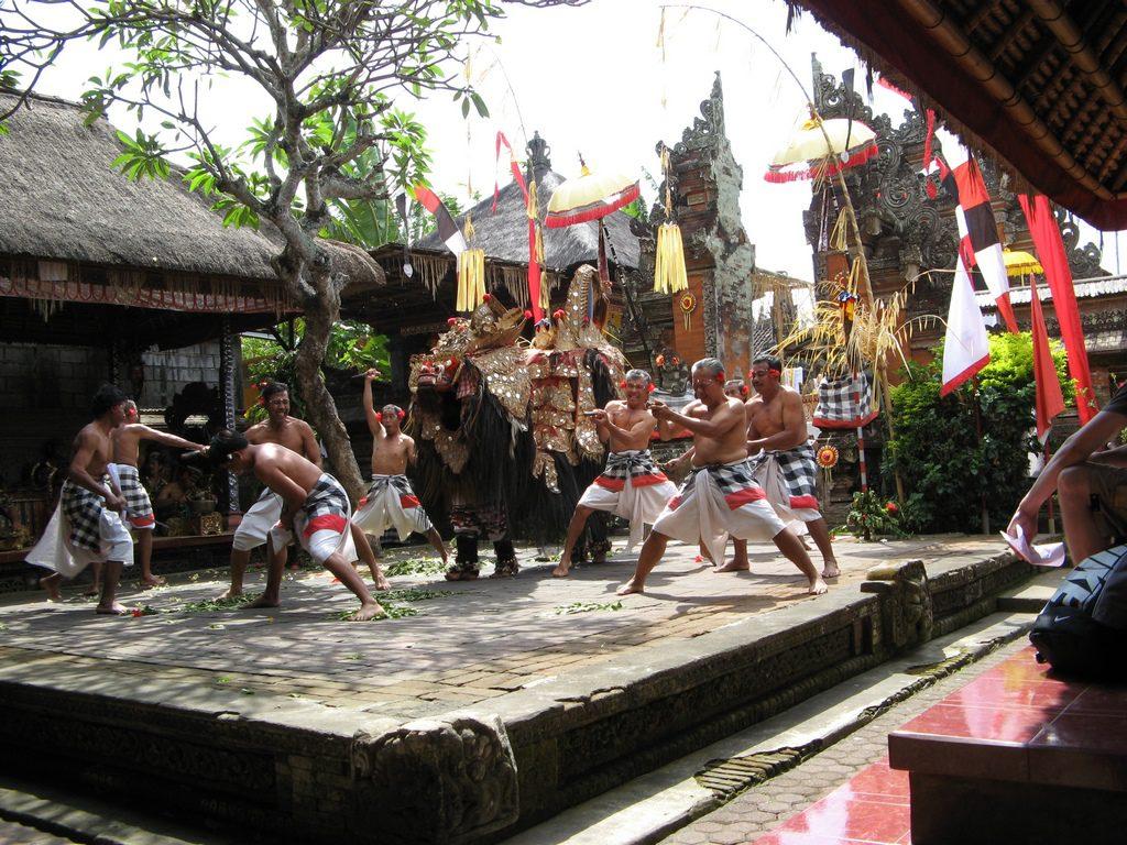 Desa Batubulan Gianyar Ukiran Khas Tradisional Hingga Tari Pura Puseh