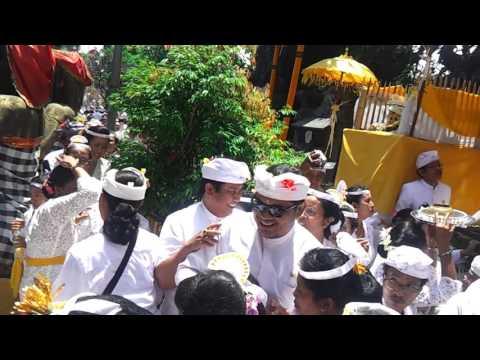 Puncak Karya Ring Pura Puseh Desa Gianyar 03 Oktober 2015