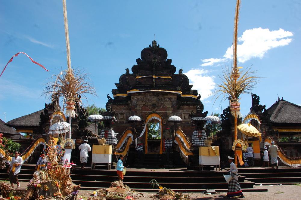 Pura Agung Kentel Gumi Desa Tusan Puseh Jagat Bali Batuan