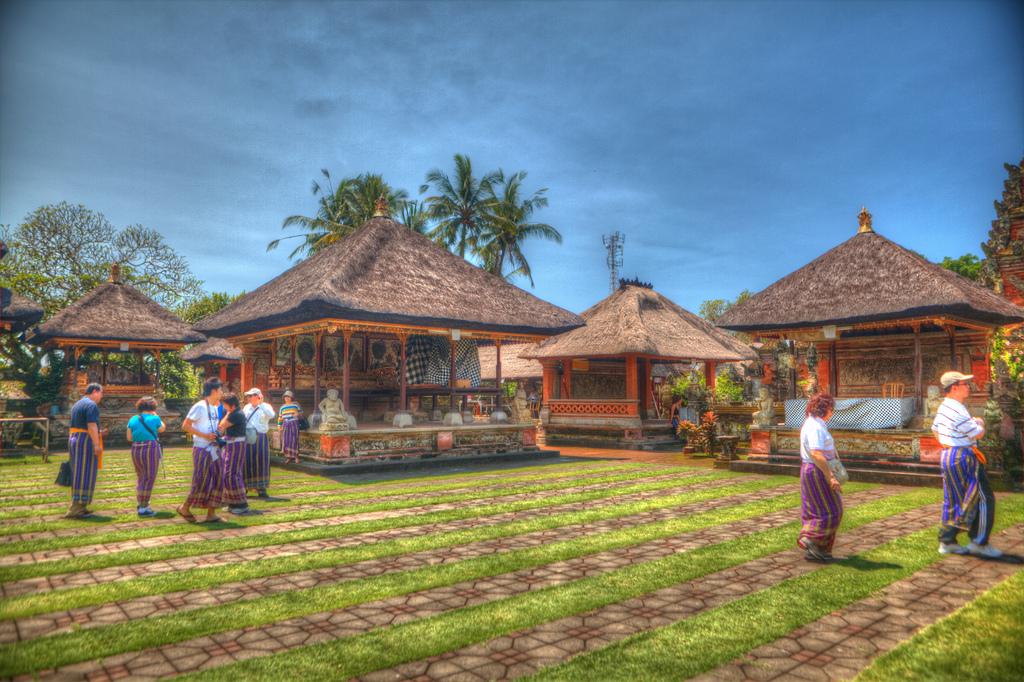 Pura Puseh Desa Batuan Bali Indonesia Flickr Stewart Leiwakabessy Kab