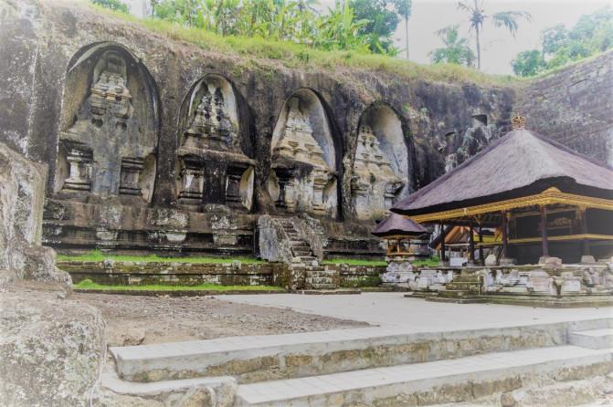 Temple Pura Bali Local Tour Guide Gunung Kawi Puseh Desa