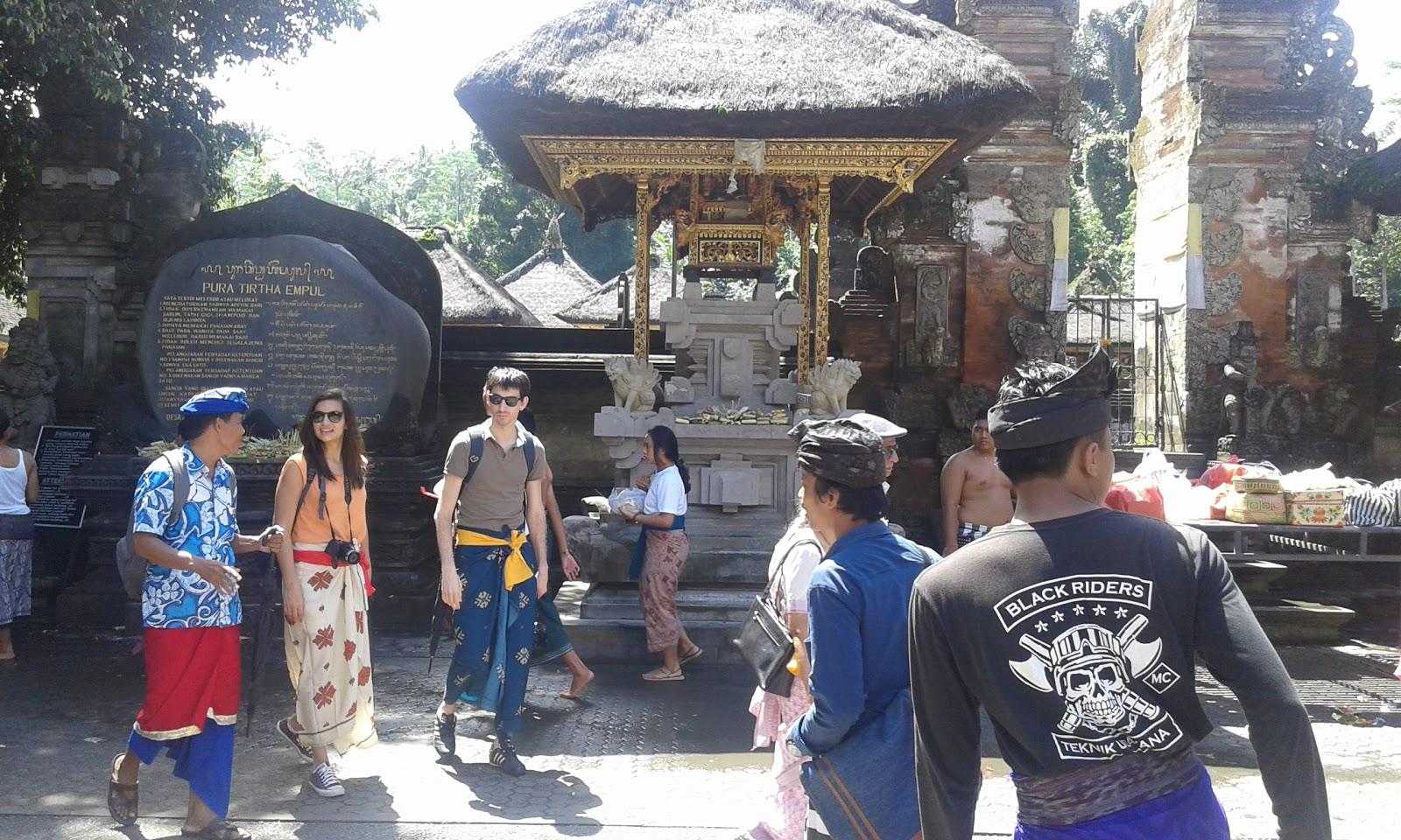 Managament Travelling Pesona Alam Pura Pesucian Tirta Empul Pintu Menuju