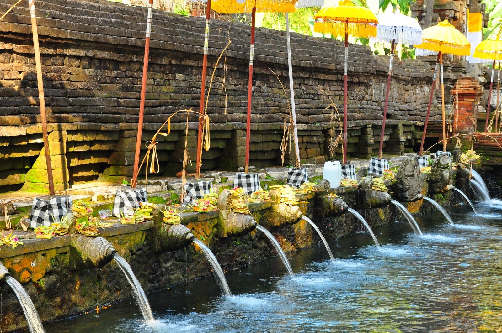 Pura Tirta Empul Tempat Wisata Pemandian Gianyar Bali Kab