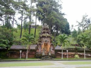 Tapak Siring Bali Menerjemahkan Wisata Pura Tirta Empul Kab Gianyar
