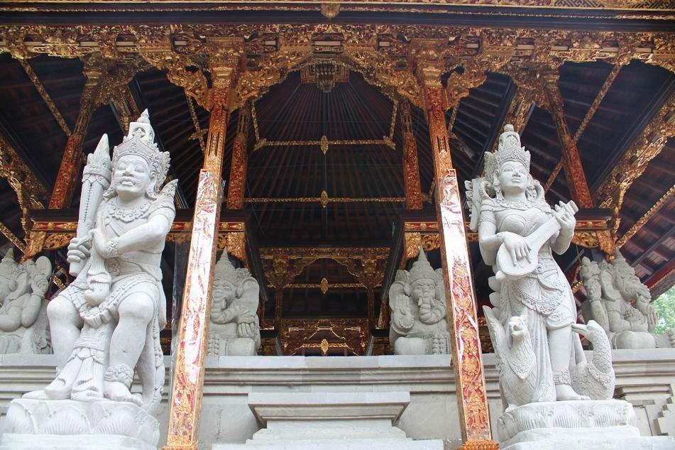 Trip Bali Travel Itinerary Indonesia Paige Pura Tirta Empul Temple