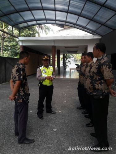 Sosialisasikan Anti Hoak Satpam Taman Nusa Upaya Panit 1 Binmas