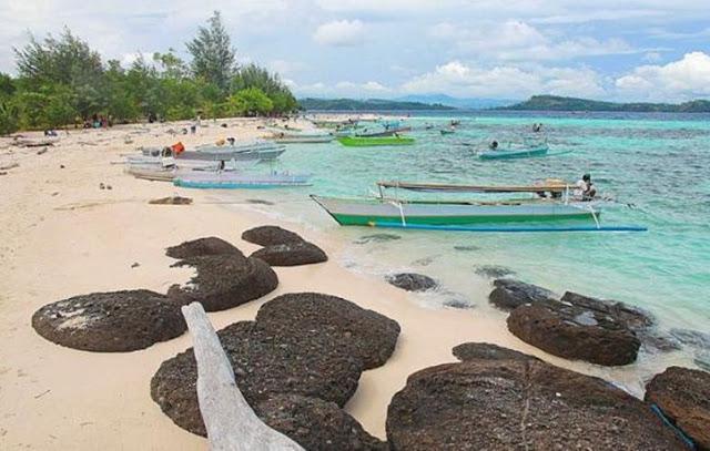 31 Tempat Wisata Gorontalo Wajib Dikunjungi Pantai Pasir Putih Leato