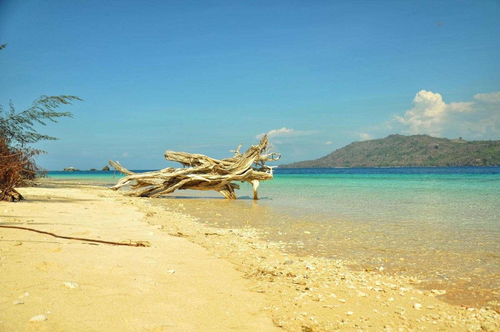 Pulau Huha Gorontalo Utara Mempesona Kakigatal Pantai Dunu Kab
