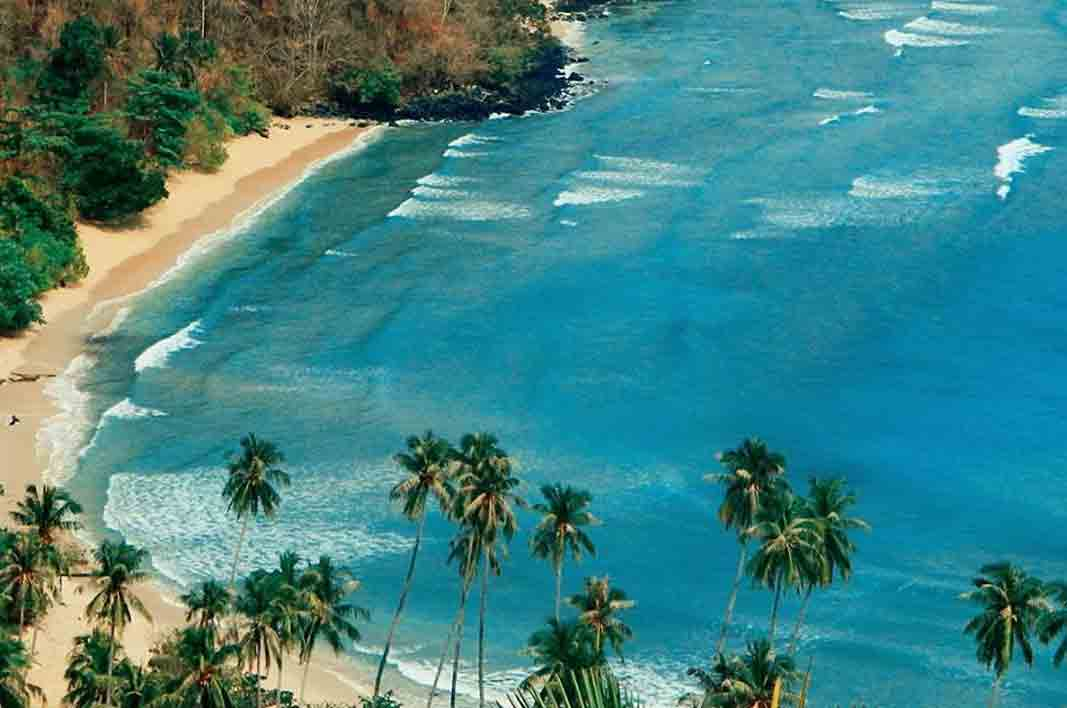 Pantai Dunu Bolehtanya Pulau Saronde Kab Gorontalo Utara