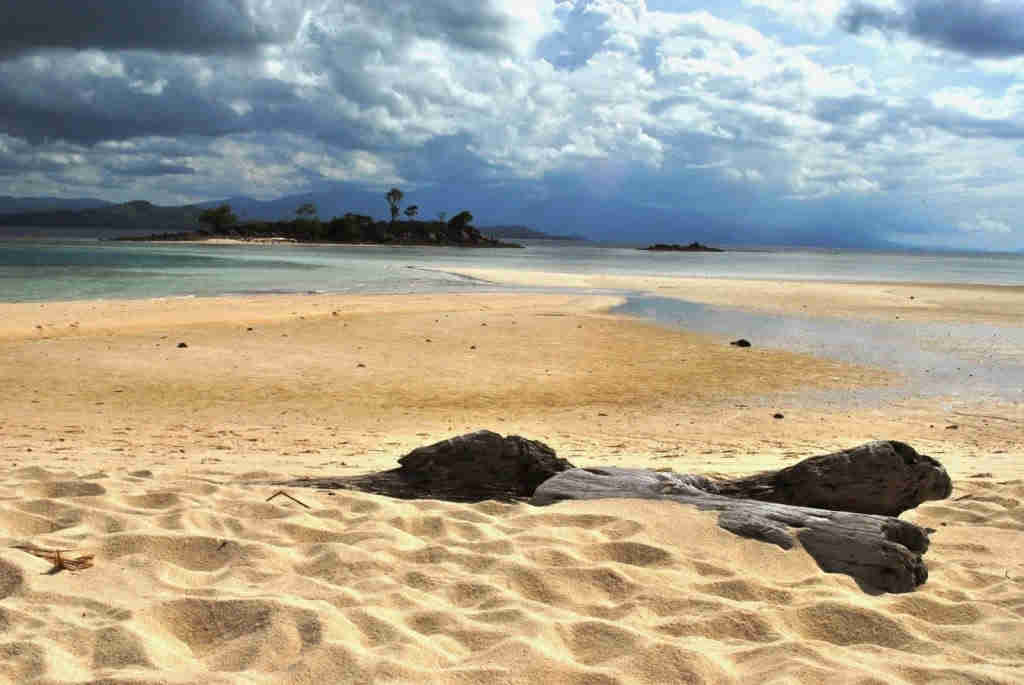 Pesona Pulau Saronde Lintas Gorontalo Wisata Ligo Kecil Indah Pantainya