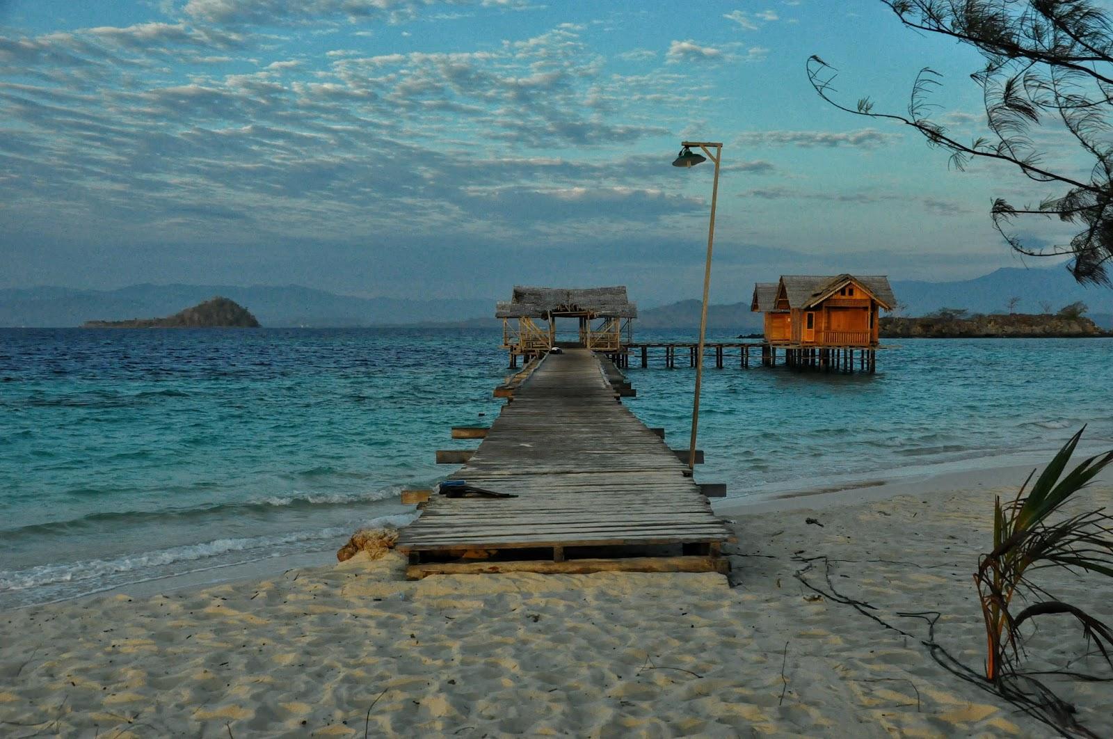 Pulau Saronde Wisata Pantai Pasir Putih Menawan Kakigatal Kab Gorontalo