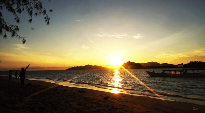 Sensasi Pagi Hamparan Pasir Putih Pulau Saronde Gorontalo Liputan6 Butuh