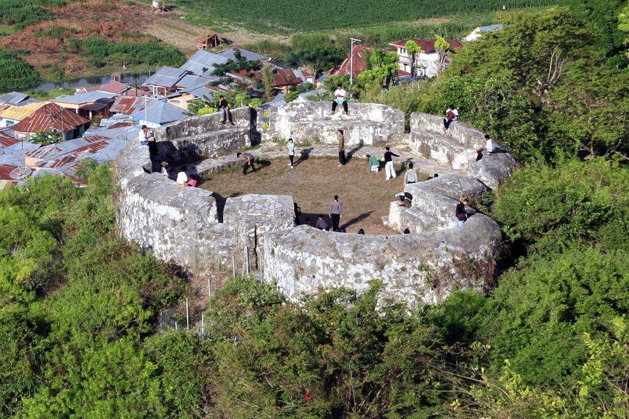 10 Tempat Wisata Gorontalo Amabel Travel Benteng Otanaha Kab