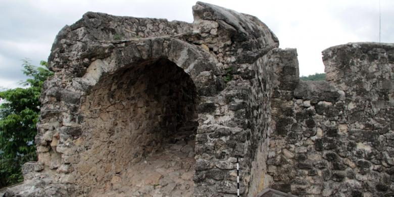 Akhir Pekan Benteng Otanaha Ramai Pengunjung Kompas Berita Terkait Kab