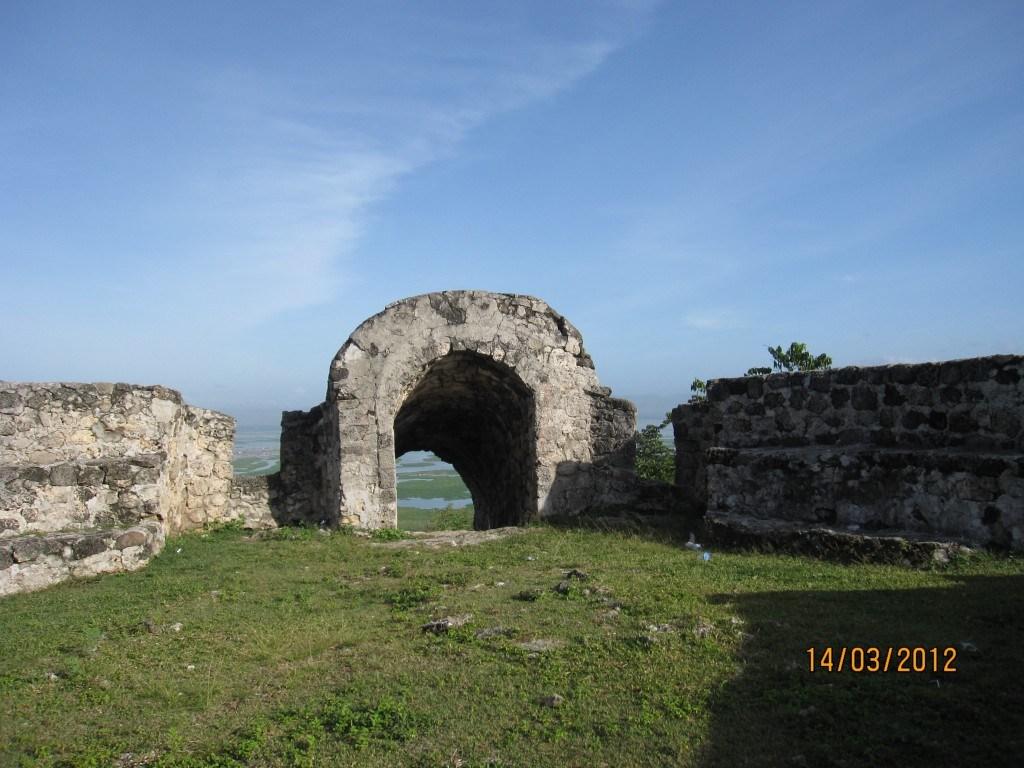Benteng Otanaha Pesona Gorontalo Kab