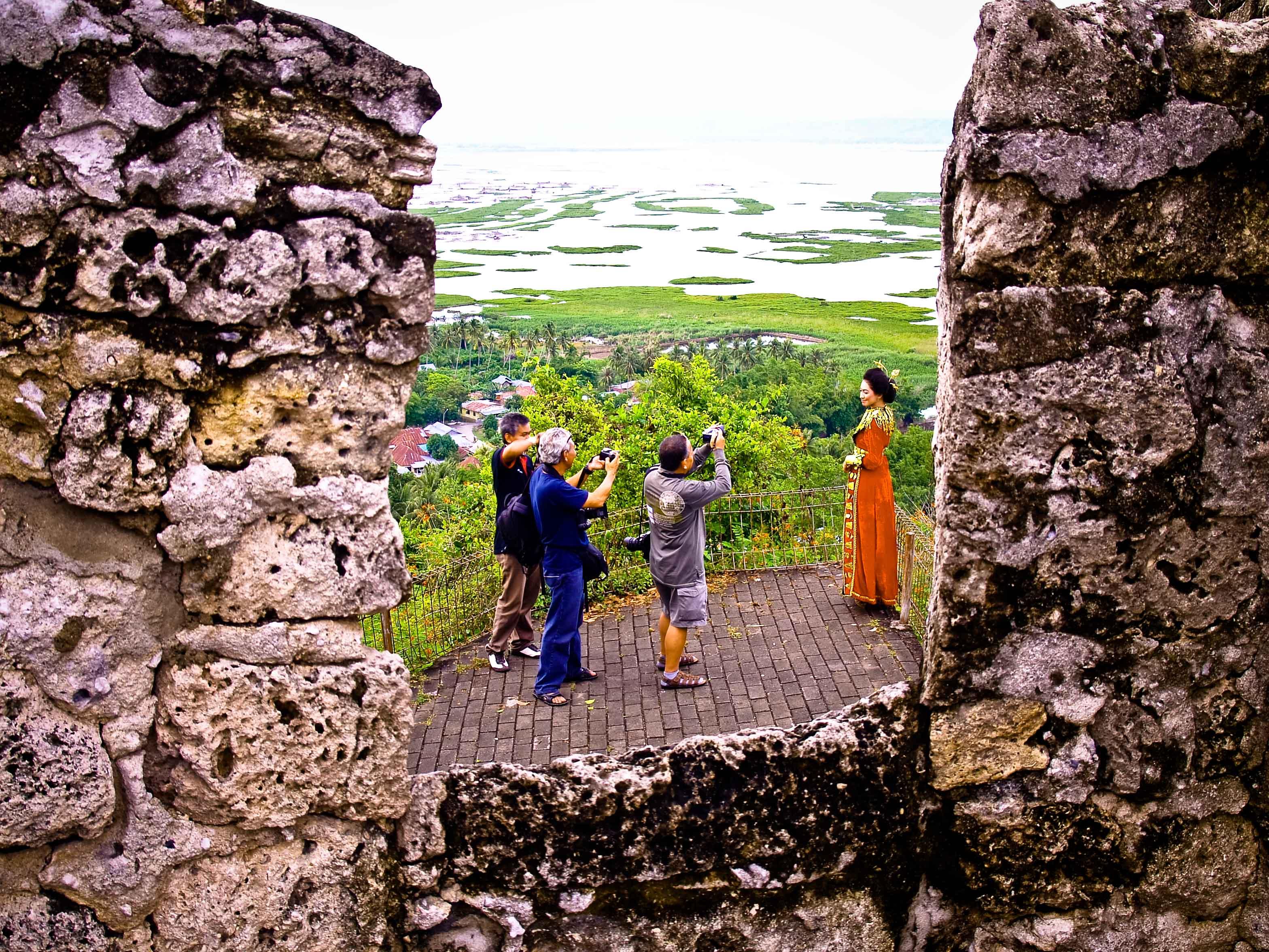 Benteng Otanaha Tujuan Wisata Sejarah Alam Provinsi Gorontalo Panorama Ditawarkan