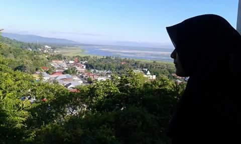 Blog Icko Juliet Benteng Otanaha Ketiga Dihubungkan Oleh Jalan Setapak